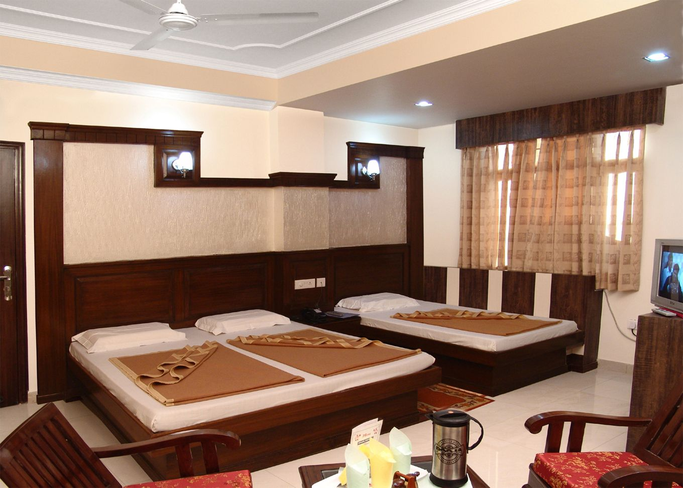 Budget 3 star hotels in new delhi now book 3 star hotel in delhi near new delhi airport in your budget and enjoy your stay with new delhi three star