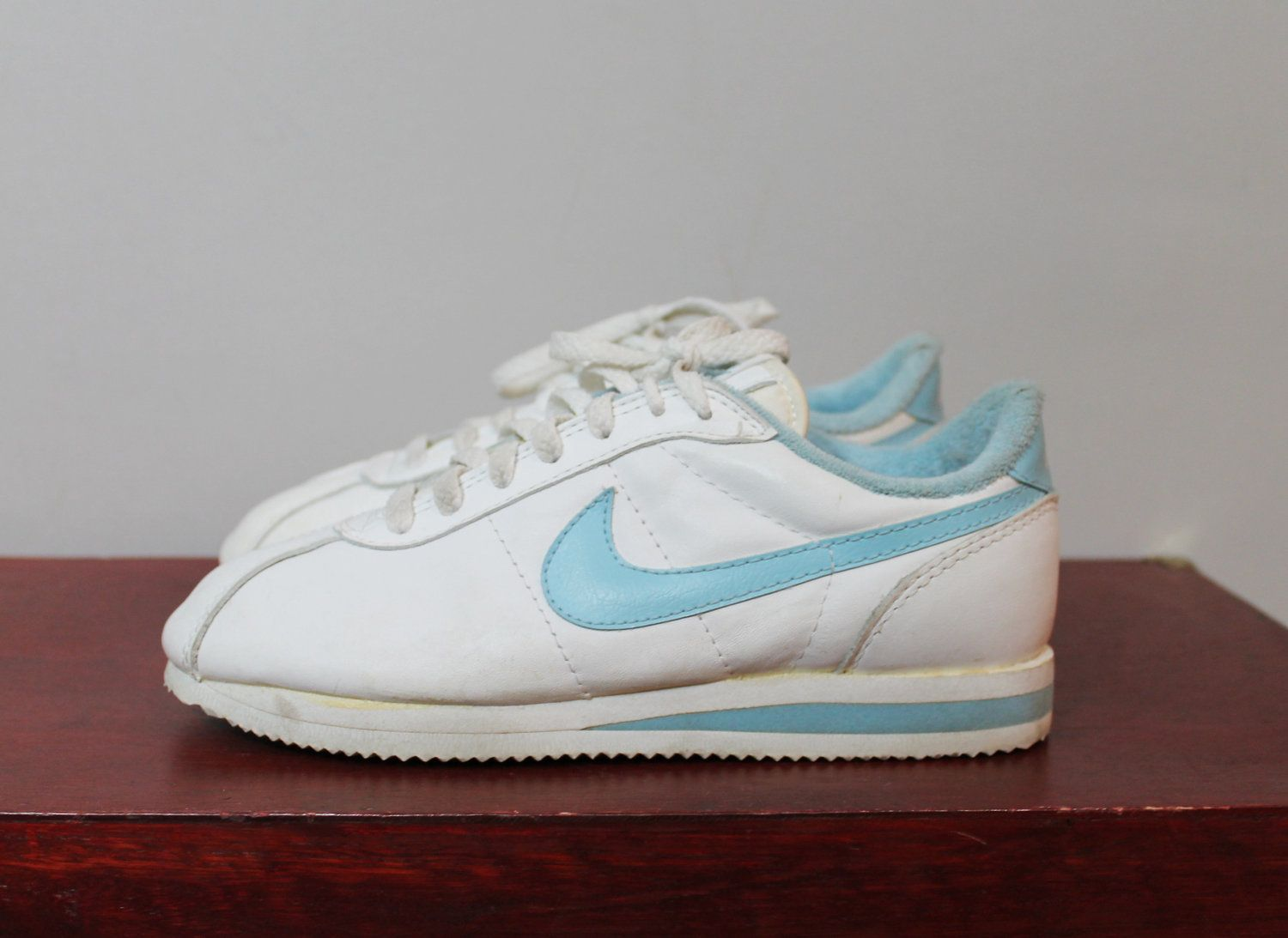 f2a2c0a44ced 80s NIKE Tennis Shoes Leather Sneakers Low Top Vintage 1980s Size 7 ...