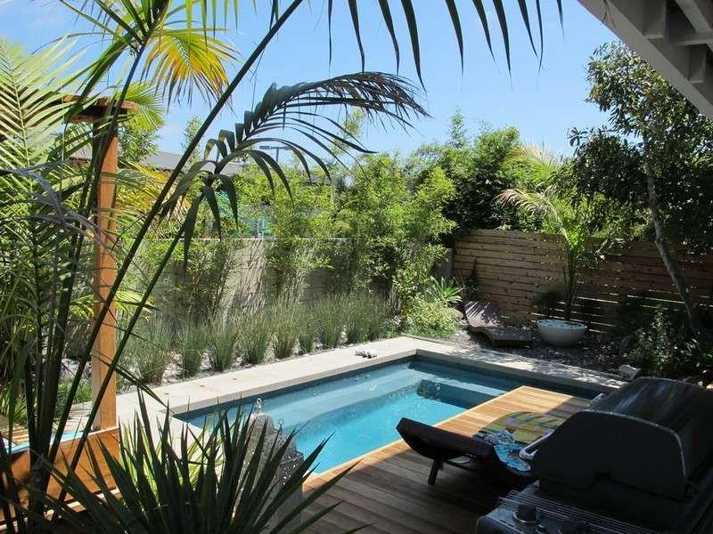amnagement petit jardin dans larrire courides modernes - Amenagement Petit Jardin Avec Piscine