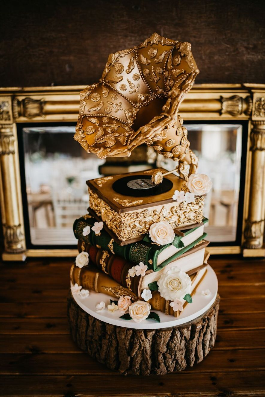 1920's themed wedding decorations  Probably the most inventive wedding cake weuve ever seen By the
