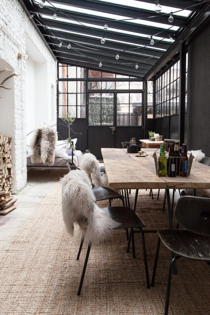 Factory turns home with great, industrial interior - Roomed - industrial vintage wohnhaus loft stil