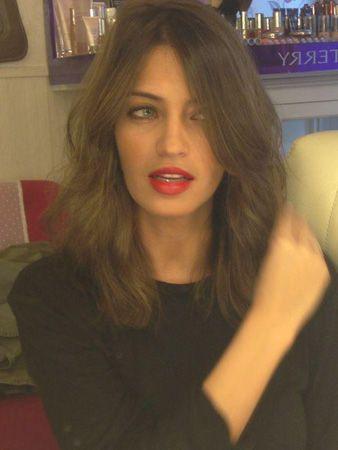 Melena Midi Con Flequillo Abierto Hair Hair Hair Cuts Y Hair Styles