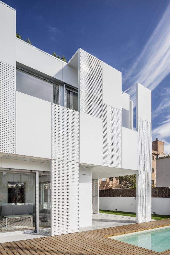 Stunning single family house by Ral architects in Spain