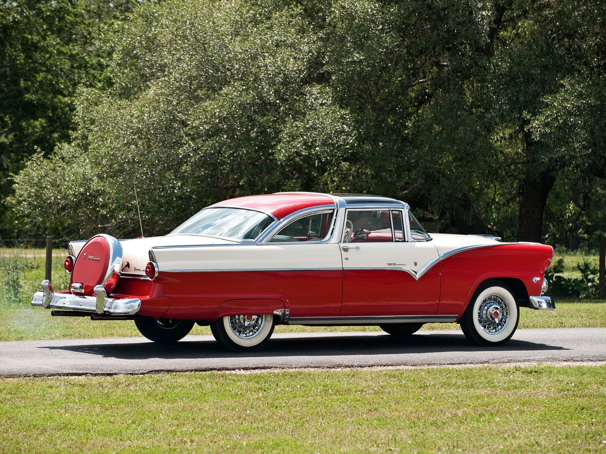 1955 Ford Fairlane Crown Victoria My Aunt Had The Same Color Crown Victoria She Purchased It Brand New Ford Fairlane Fairlane Classic Cars