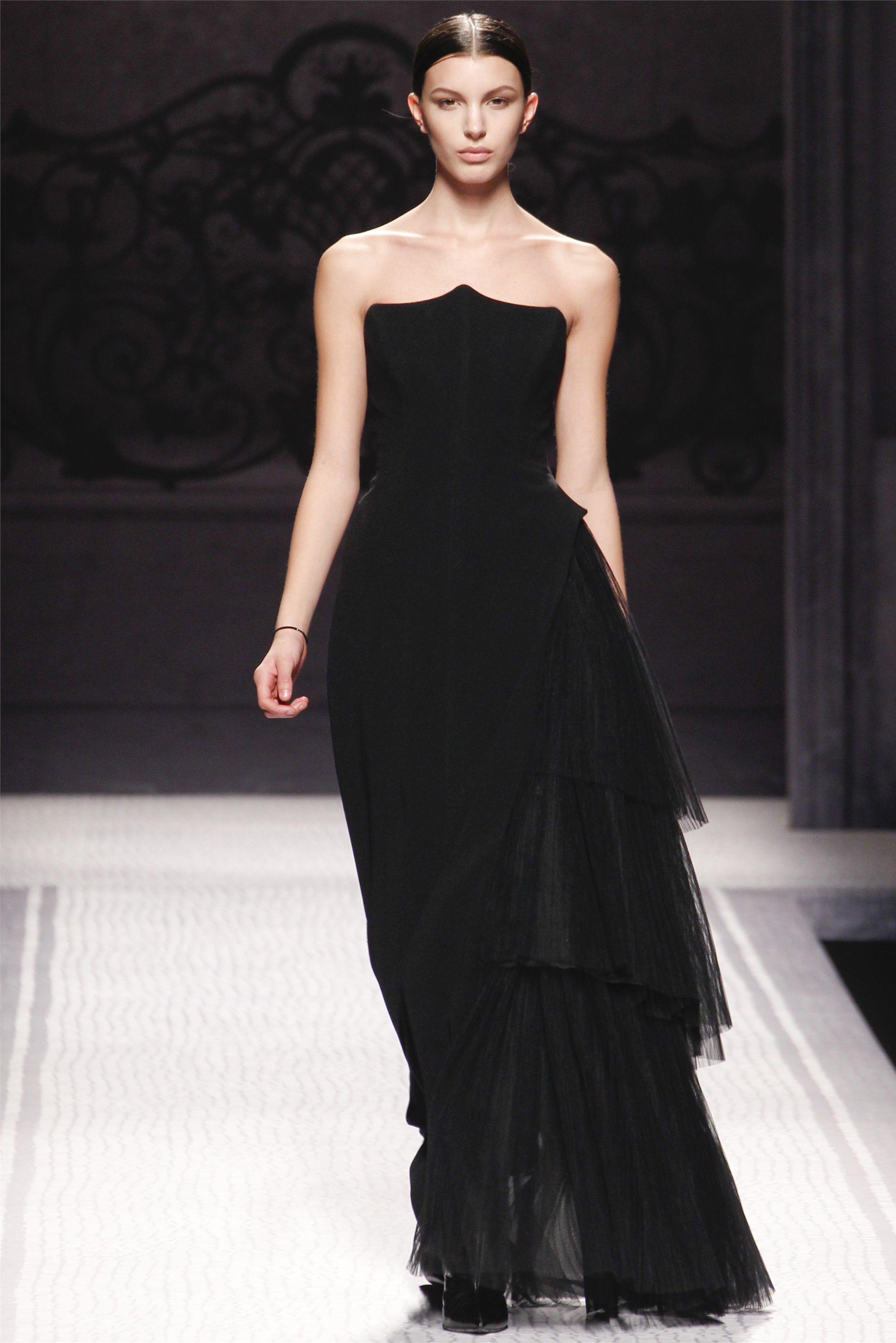 Sfilata Alberta Ferretti Milano - Collezioni Autunno Inverno 2012-13 - Vogue