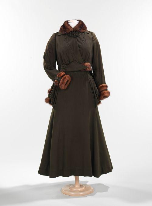 1912, Gorgeous wool/silk coat with mink fur trim