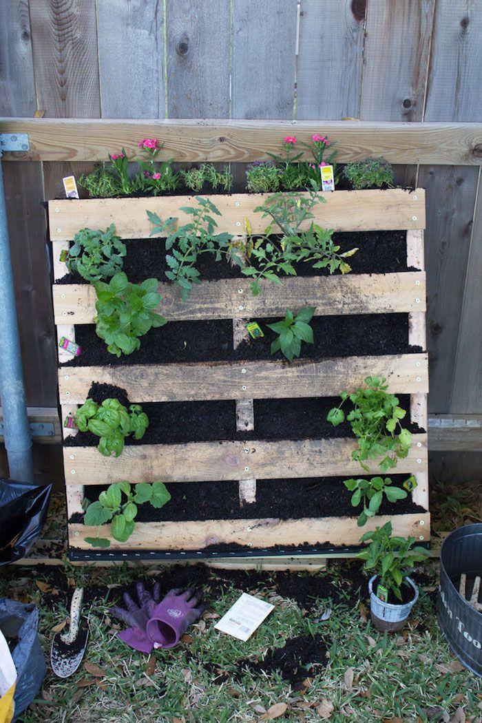 ▷ 1001 + idées DIY pour fabriquer une jardinière ou potager en palette #senkrechtangelegtekräutergärten
