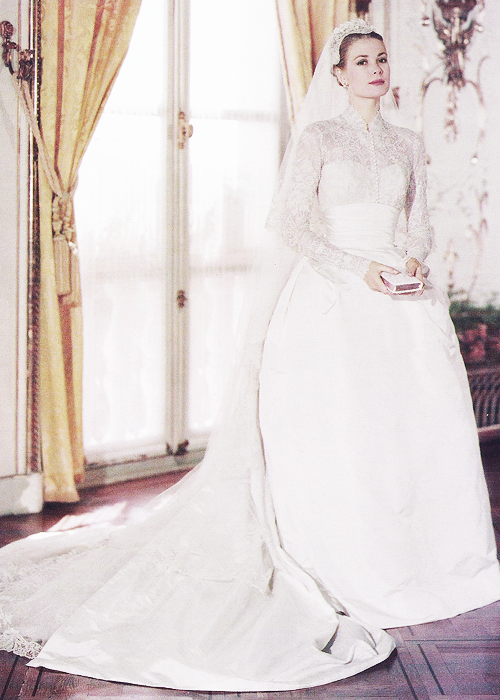 Princess Grace - wedding gown designed by Helen Rose. | Well-Known ...