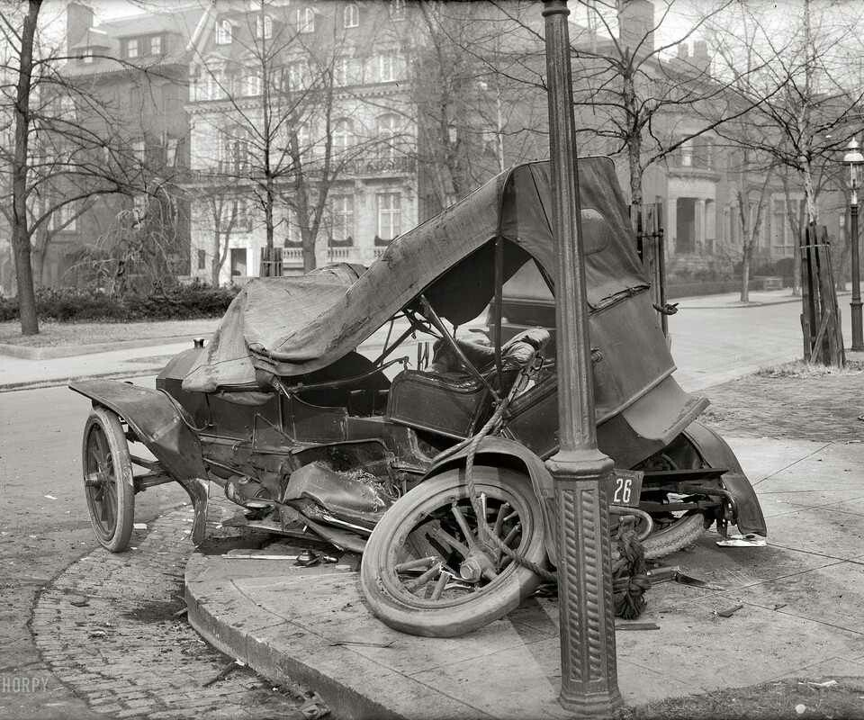AUTOS: Vintage car wreck. A rather scary sight. Hope all are alright ...