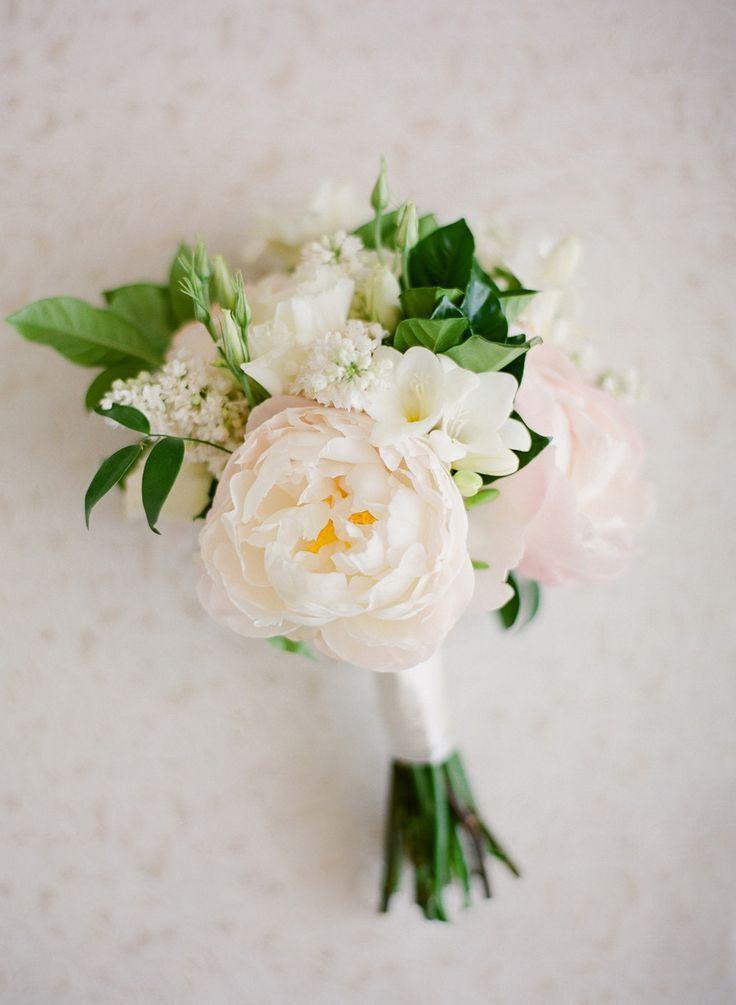 Classic-Glam West Hollywood Wedding #weddingbridesmaidbouquets