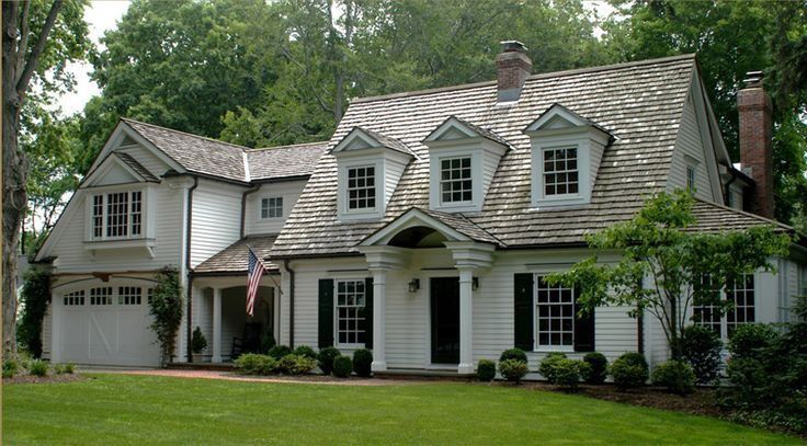 Darling Home Large Window And Wonderful Garage Door Well Done Another Not Too Big House Content With Images Cape Cod Style House Cape Cod House Plans Cape Cod Exterior
