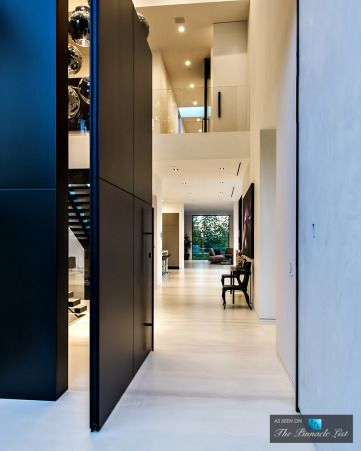 Luxury Residence - 9945 Beverly Grove Drive, Beverly Hills, CA