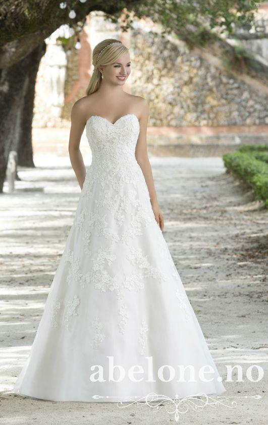A-Line brudekjole med blonde og hjertetopp Sincerity 3879 Vakker blonde brudekjole i a-line ...