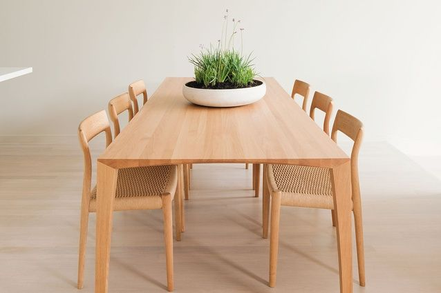 Superb A Light Oak Dining Table Completes The Pared Back Aesthetic Of The Kitchen  Area.