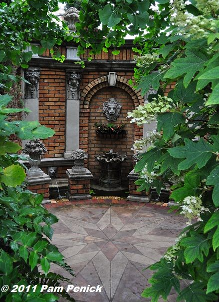 Beau Image Result For Arched Trellis On Garden Wall Fountain | Garden |  Pinterest | Gardens, Fountain And Wall Fountains