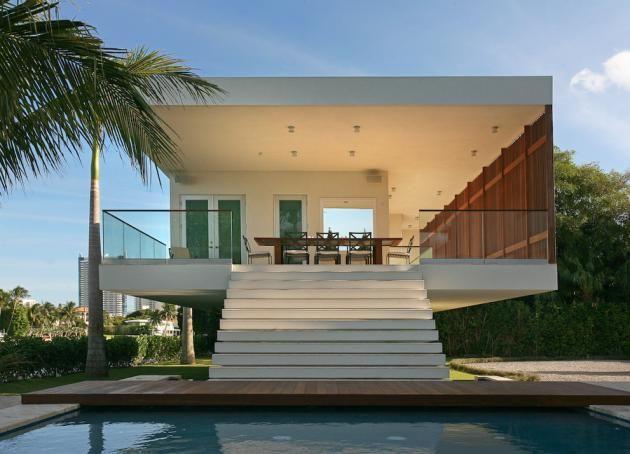 Inside A Modern Miami Beach Mansion 14 Pics Beach House Design Contemporary Beach House Luxury Beach House