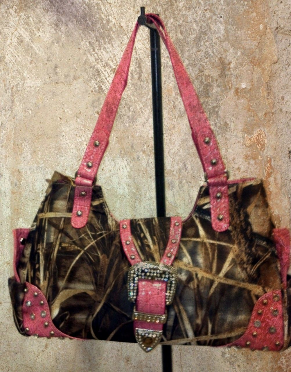 Rustic Couture Real Tree Camo And Pink Purse 56 99