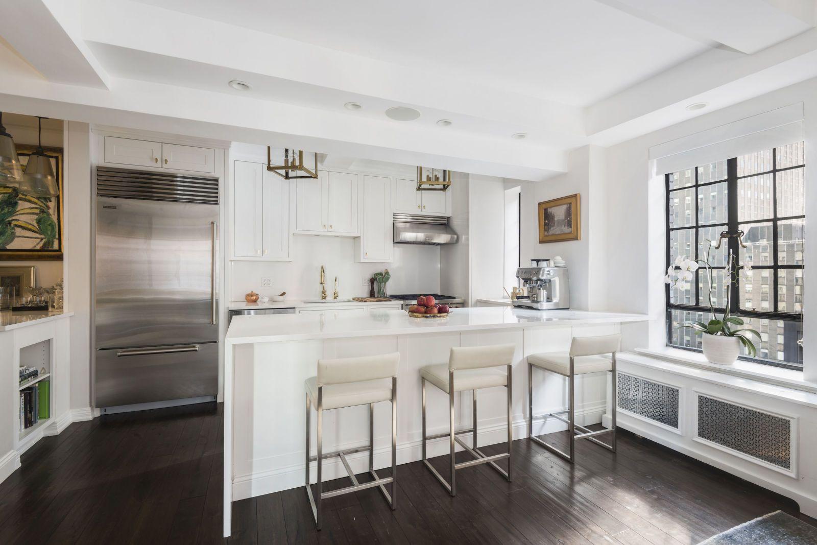 Daphne Oz Is Ing Her Manhattan Apartment For 2 5 Million