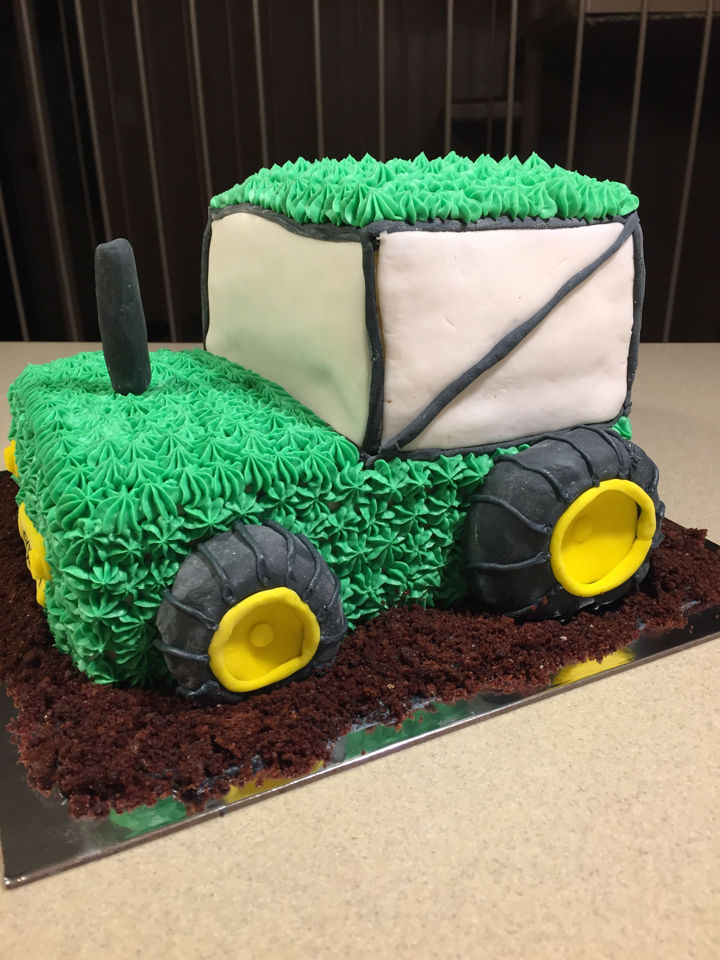Magnificent Green Tractor Cake For A 4 Year Old Boy With Images 2 Year Old Personalised Birthday Cards Veneteletsinfo