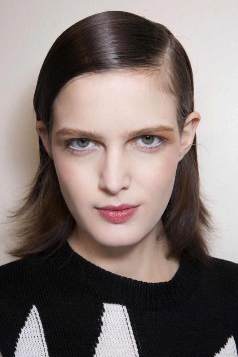 Short Sleek Womens Hairstyle Dan Word in 10  Medium short hair
