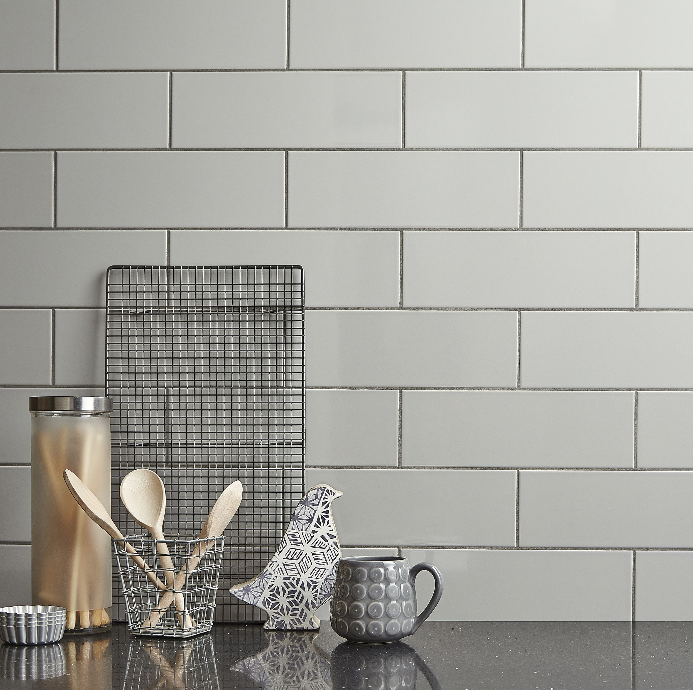 A Simple But Sleek Tile Available In 13 Colours Linear Helps Provide Any Room With A Modern And Contemporary Fee Kitchen Wall Tiles Grey Wall Tiles Wall Tiles