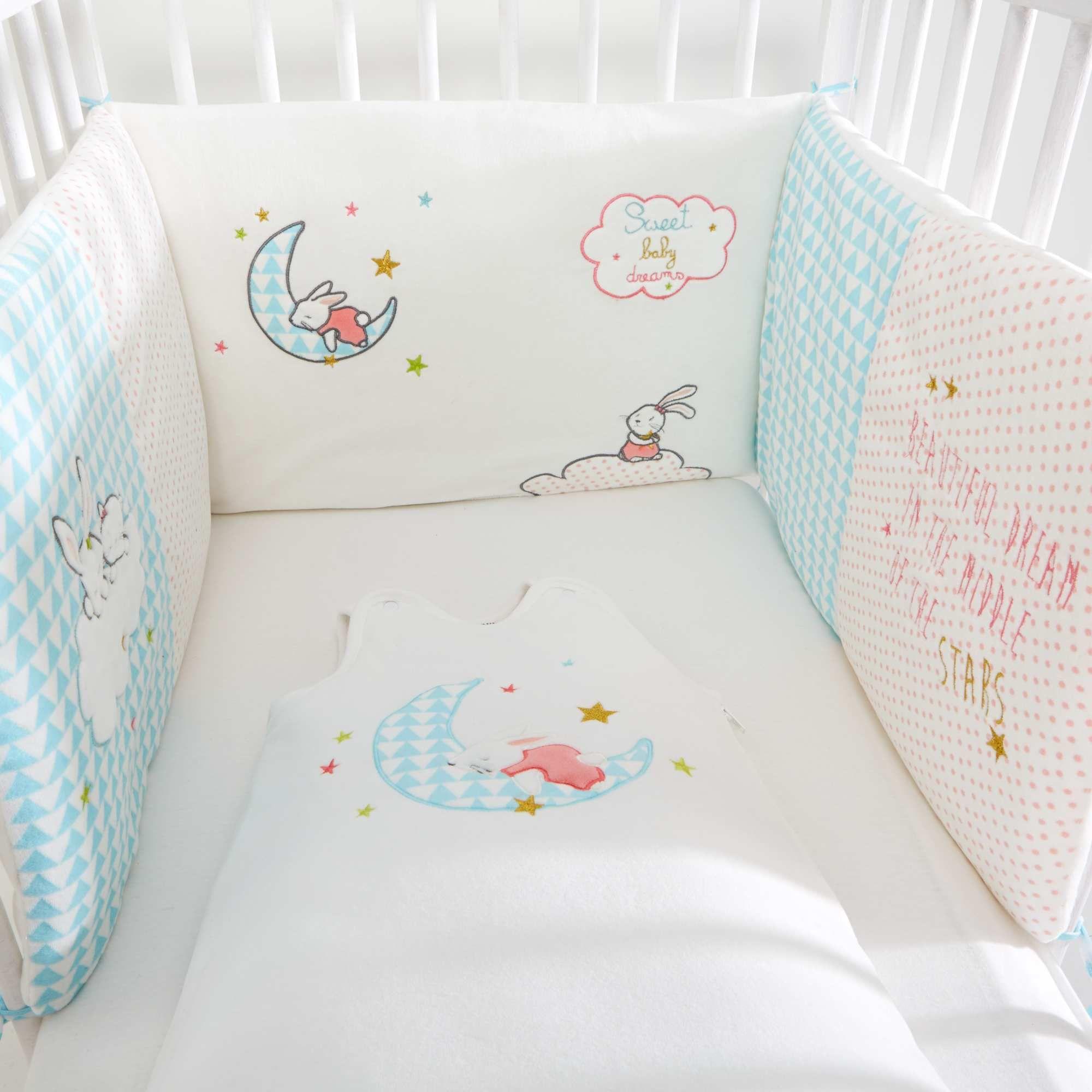 Protector de cuna 39 sweet dreams 39 blanco niev pinteres - Protector de cama ...