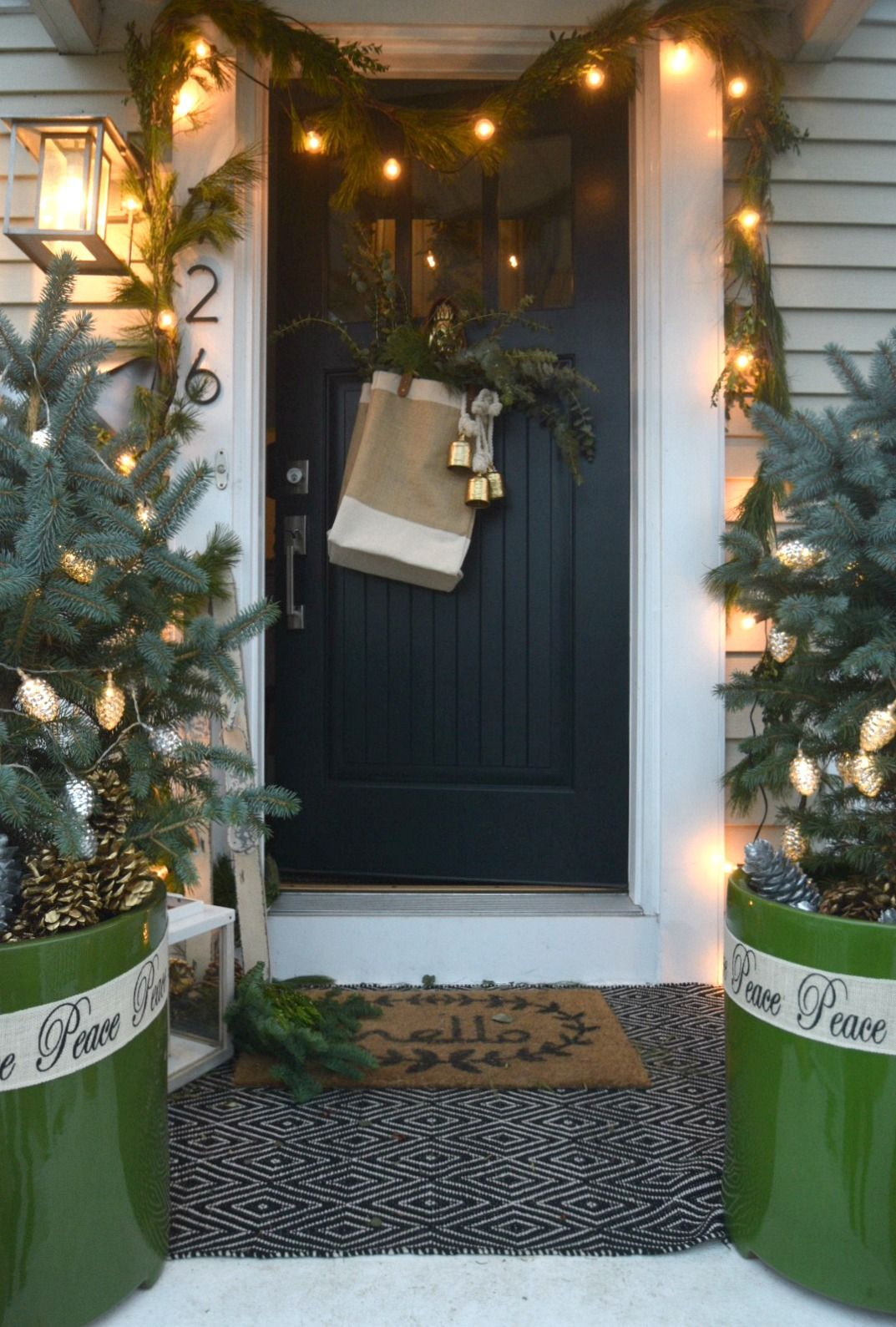 Christmas Ideas in a Small Space- Holiday Housewalk- Main Floor