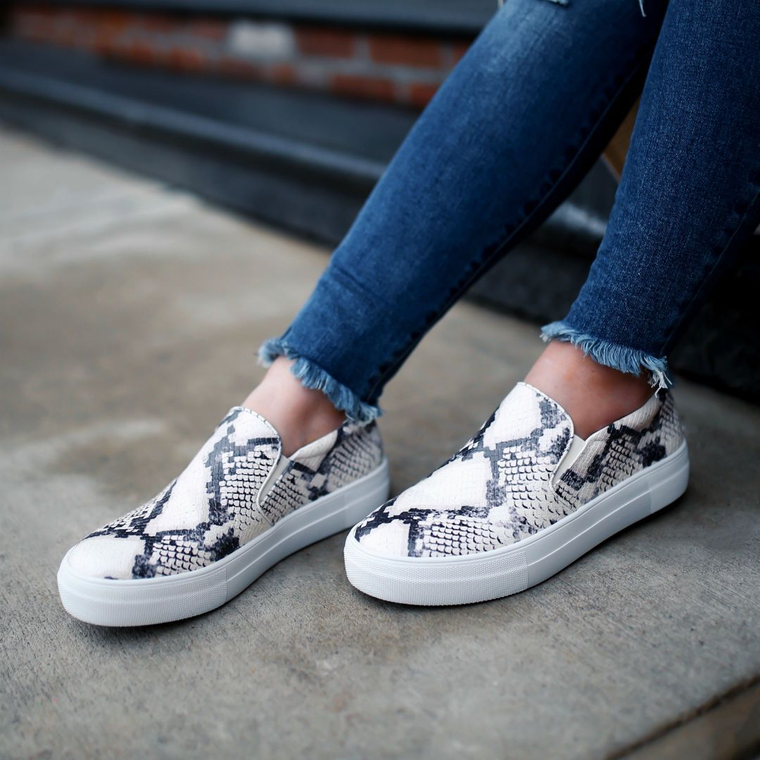New Womens Denim Ripped Slip On Flat Low Heel Sequined Pumps Fashion Sneakers