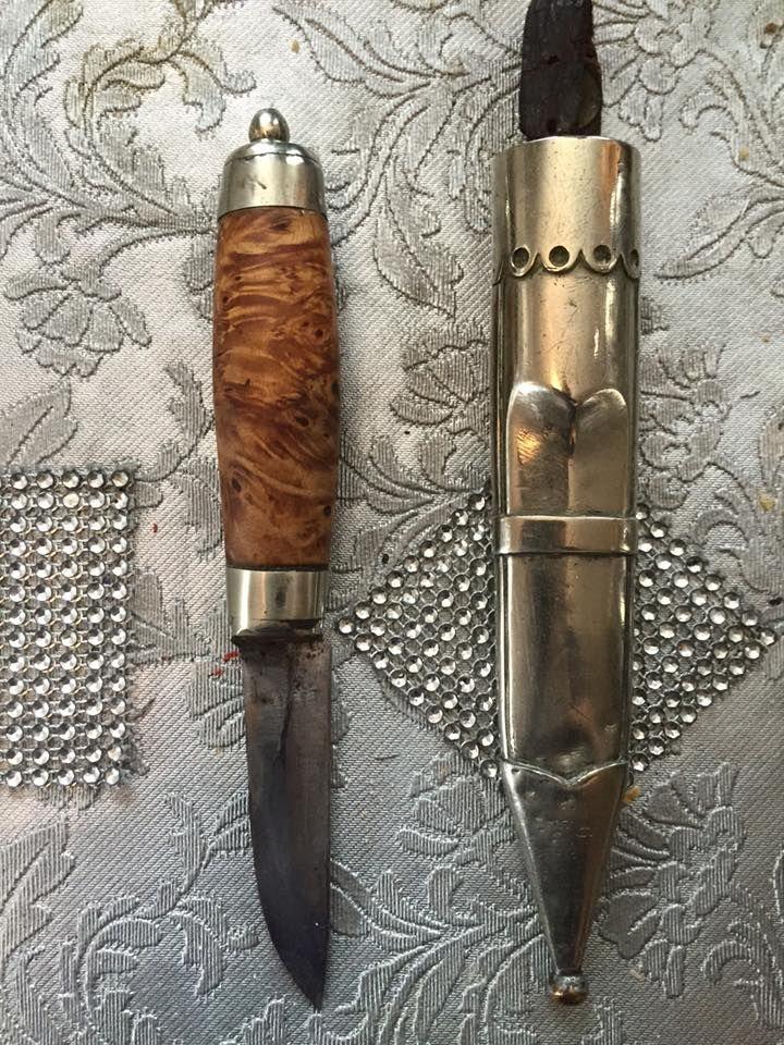 Viola Marie Karlsen Kniver Og Klokker Og Sveper Kjop Salg Bytte Gammel Type Taterkniv Knife Pocket Knife Axe