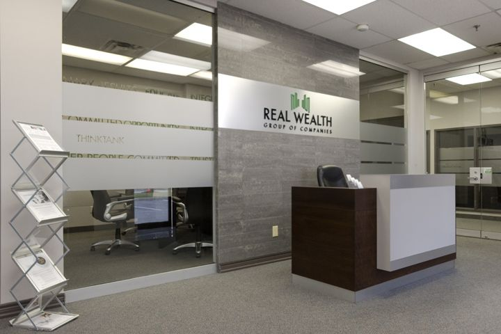 Real wealth corporate office by ambience design group for Corporate office layout design