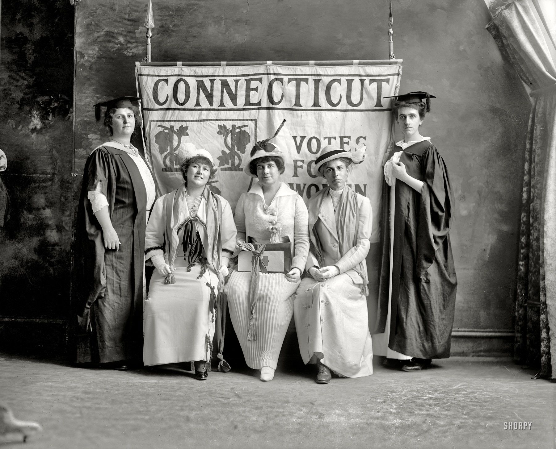 Shorpy Historical Photo Archive Connecticut Votes For Women 1917 Connecticut Feminista [ 1455 x 1800 Pixel ]