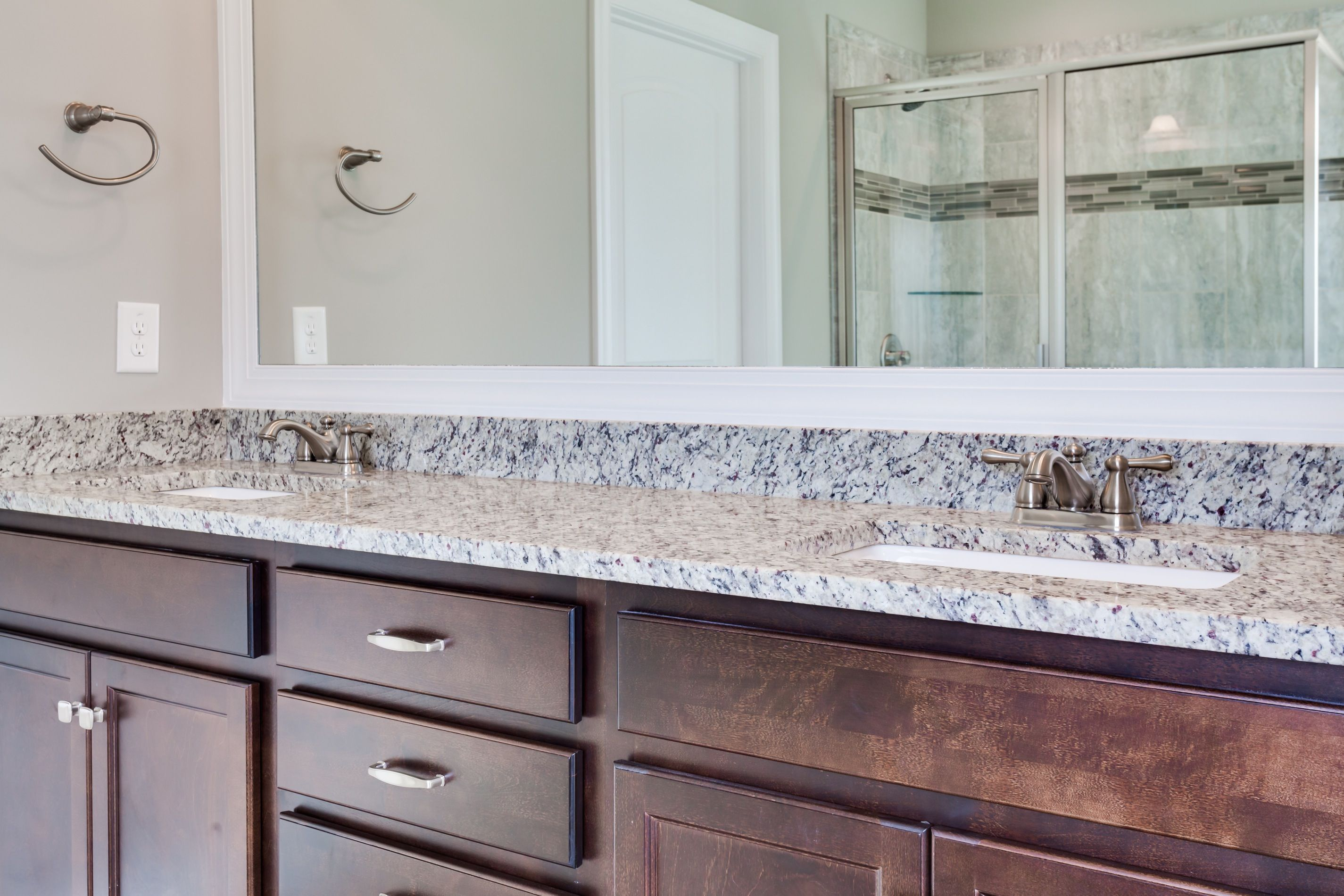 Use The Countertop Edge Visualizer To Find The Right Edge For Your Intended Style Or Purpose Countertop Amanzigra With Images Countertops Tool Design Beautiful Bathrooms