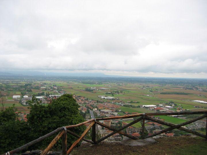 Vista panoramica dalla vetta di Cavour [Apre una nuova finestra]
