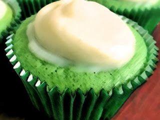Receitinhas & Afins: Cupcake fácil de limão para o verão