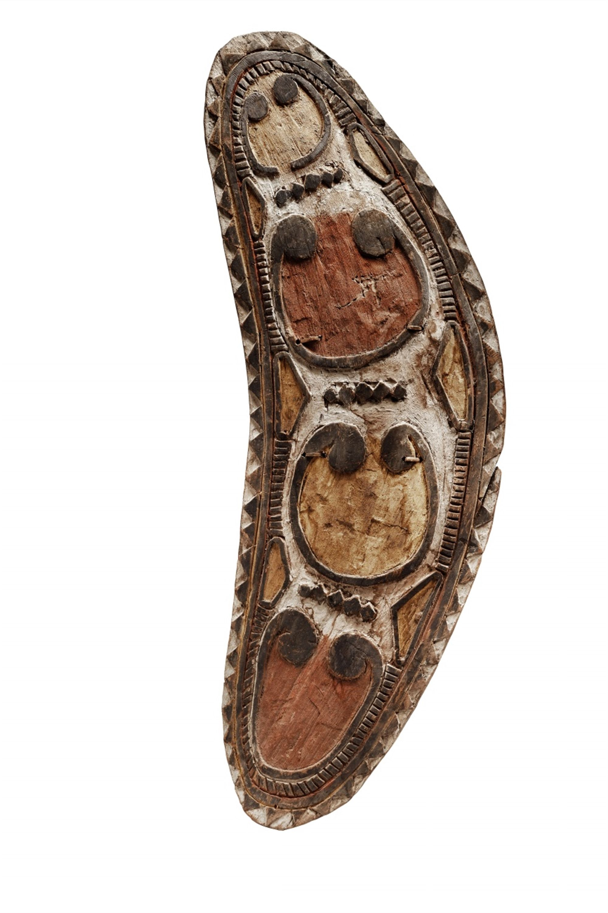 Papua New GuineaEAST SEPIK RIVER SHIELD, Auction 1073 African and Oceanic Art, Lot 85