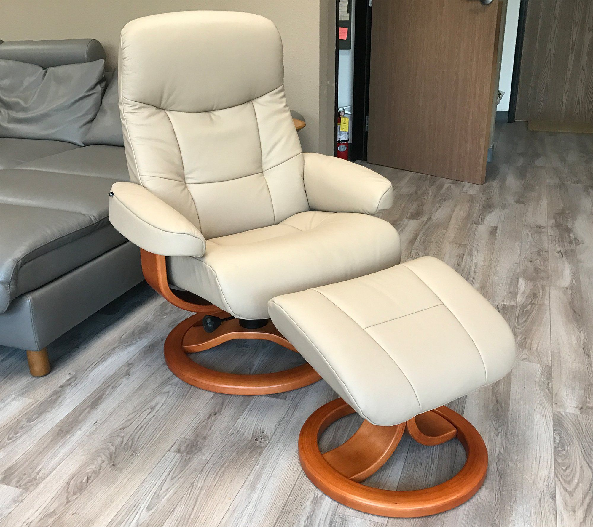 Top 10 Best Recliners With Ottoman Reviewed Homeluf Com Classy