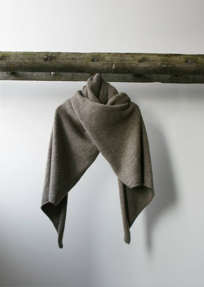 Stella+Alf, made in Britain, british, womenswear, fashion, natural, sustainable, handknitted, yorkshire, wool, blue faced leicester, sheep wrap woollen,