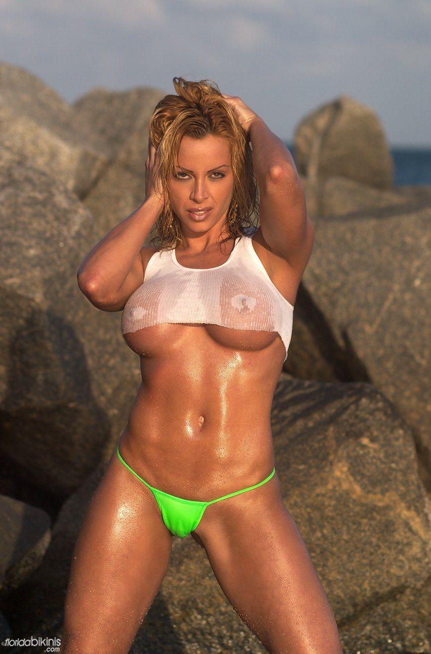 Sexy hot babe bikini daily