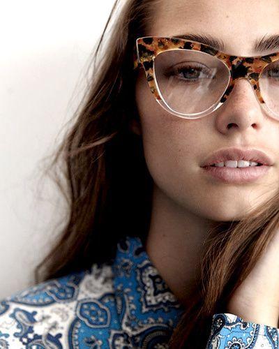 Foi-se o tempo em que a mulherada vivia em guerra com seus óculos de grau.  Hoje, um modelo bem escolhido complementa … 7d387d1404