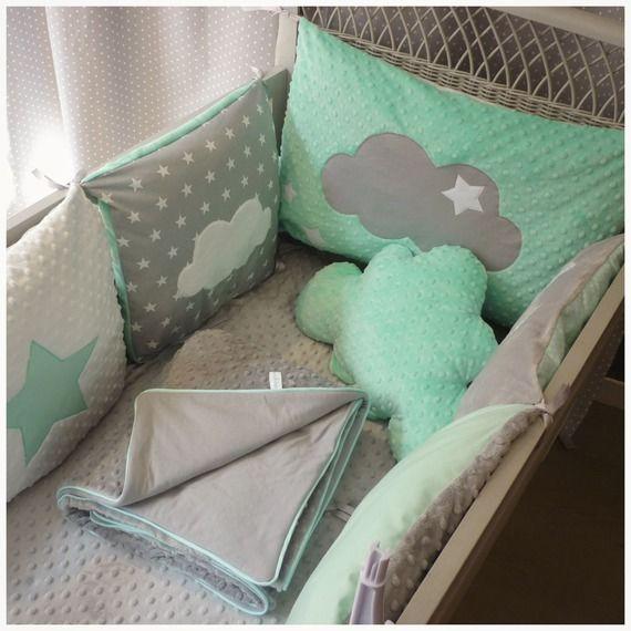 tour de lit b b carr toile nuage vert d 39 eau blanc et. Black Bedroom Furniture Sets. Home Design Ideas