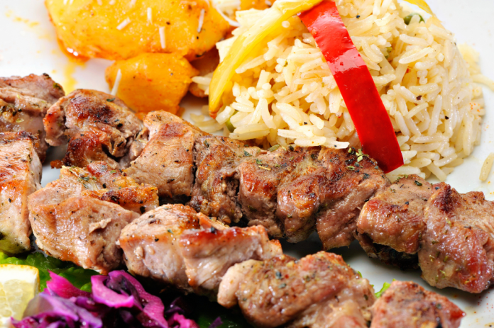 Greek Chicken Souvlaki with Lemon Rice #greeklemonrice