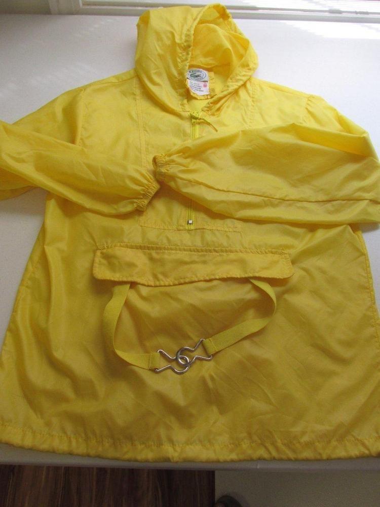 399e407a867b Vintage  Izod  Lacoste  yellow  Rain  Jacket  Unisex  Medium  Kids ...