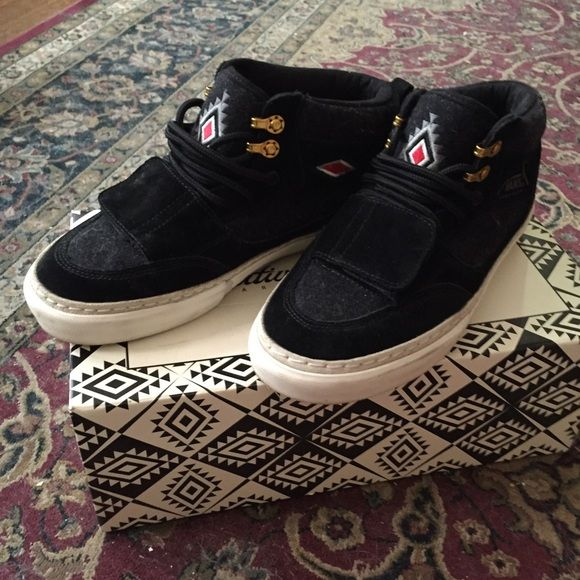 3ff1063a29 Primitive Shoes X Vans Mountain edition mid pro Worn twice. Practically  brand new! Super unique! Men s 6.5 will fit a Women s 8. prices are  negotiable and ...