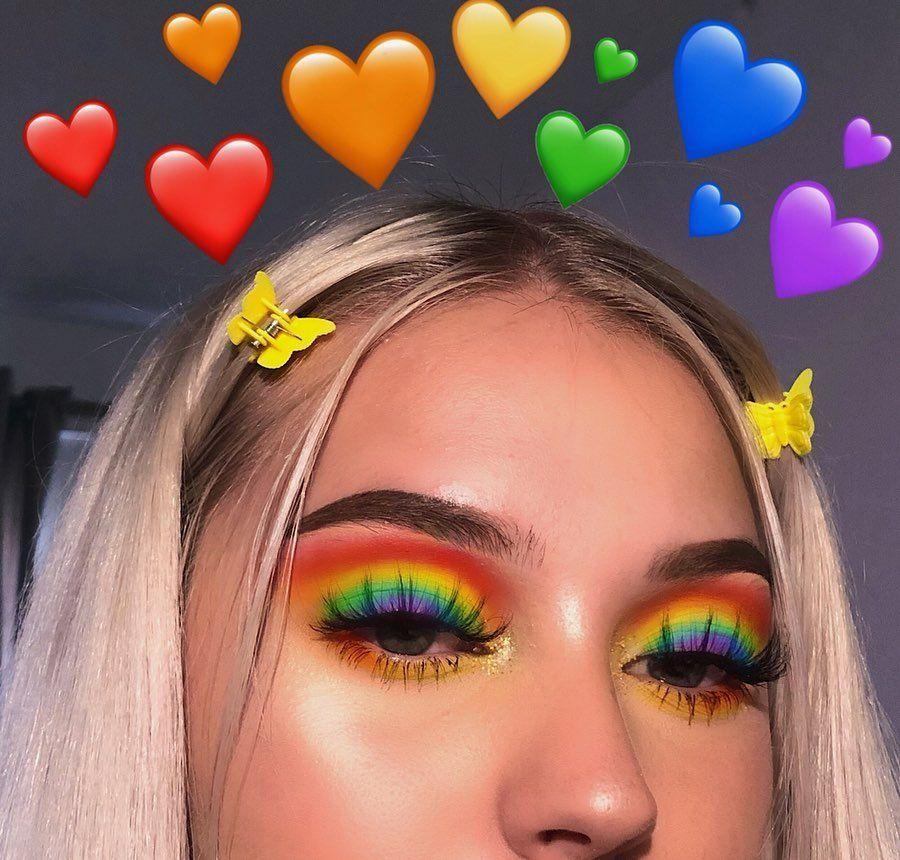 """Photo of Lena Bagrowska 👼🏼☁️✨🖤🌙🛸 en Instagram: """"Etiqueta de alguien que debe hacer este look 🍒☄️🌼☘️🐬💜 Sentía lindo en este 🥰 Productos utilizados @colourpopcosmetics Ella es una paleta de arco iris 🎨 usar mi código…"""""""