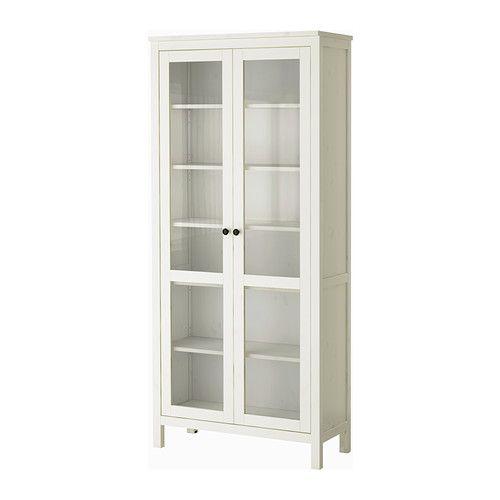 HEMNES Vitrineskap IKEA Massivt tre; for en mer naturlig følelse. kr 2750