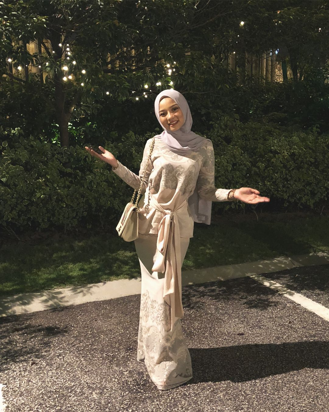 """Photo of HAWA Rizwana Redzuan on Instagram: """"As long as you believe in yourself, you're good to go. In shaa Allah. 💪🏻✨ Thank you dearest @lilypetuna for this amazing busana. Happy kite…"""""""
