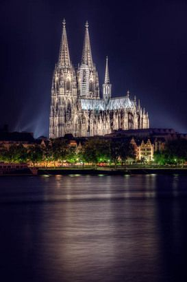 Pin Auf Koln Bei Nacht Cologne At Night