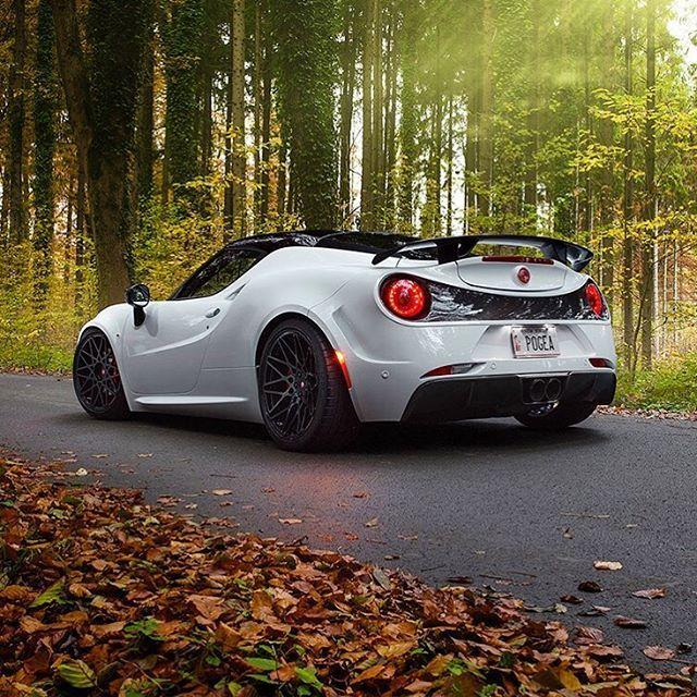pada dasarnya ini adalah mobil alfa romeo 4c yang telah di tuning lotus evora pada dasarnya ini adalah mobil alfa romeo 4c yang telah di tuning kit oleh pogea