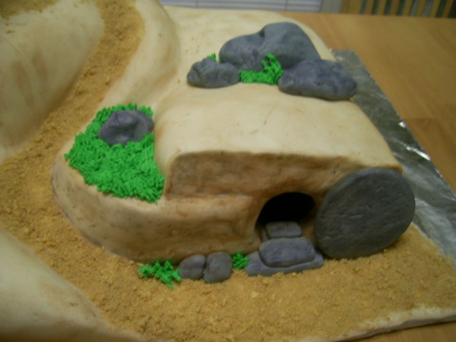 Easter empty tomb cake french vanilla cake