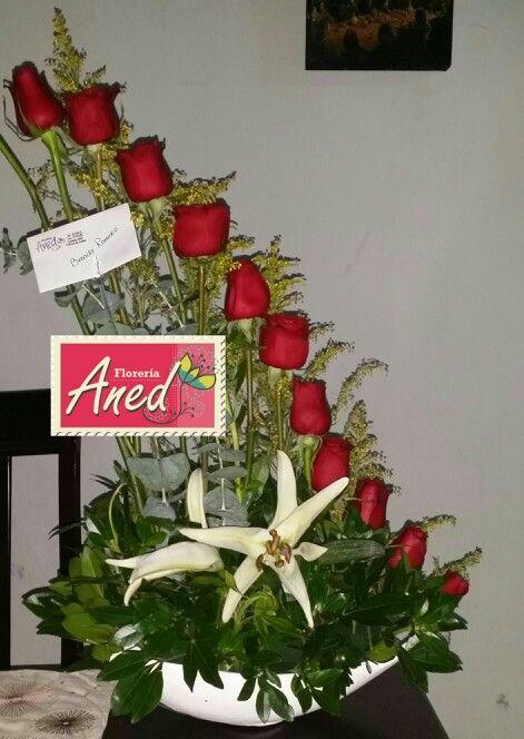 Rosas En Vertical Christmas Wreaths Holiday Decor Holiday